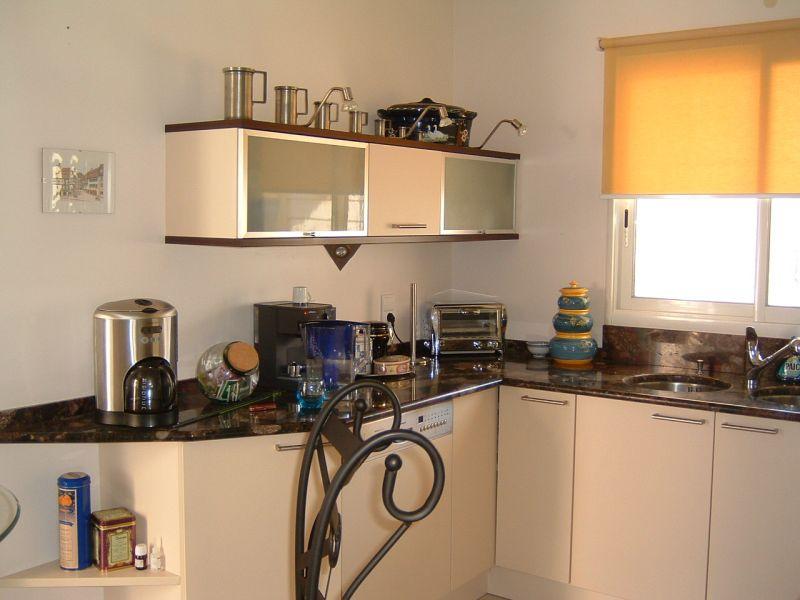 cuisine melange ancien moderne trendy cuisine style. Black Bedroom Furniture Sets. Home Design Ideas